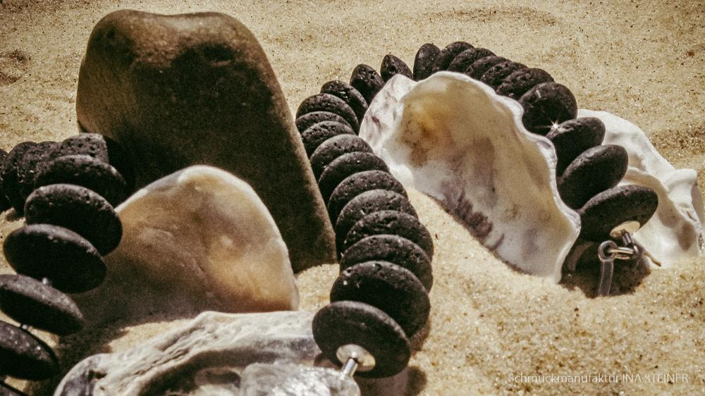schwarze Halskette aus Edelstein Glas Natur Ina Steiner Schmuckmanufaktur aus Karlsruhe