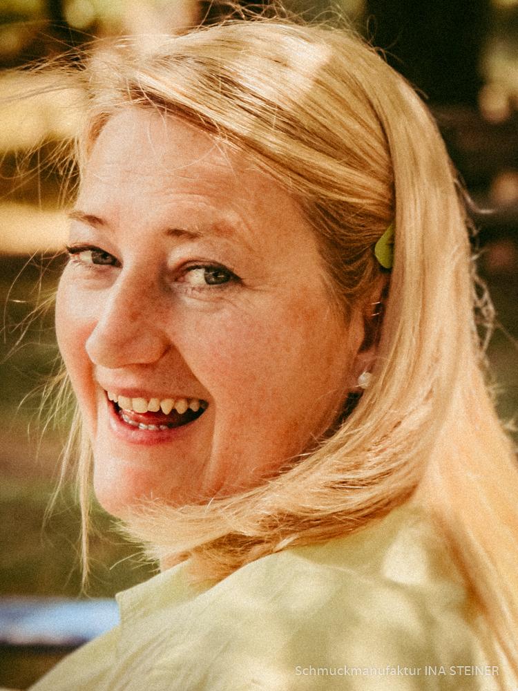 Portrait Ina Steiner Schmuckdesignerin - Schmuckmanufaktur aus Karlsruhe